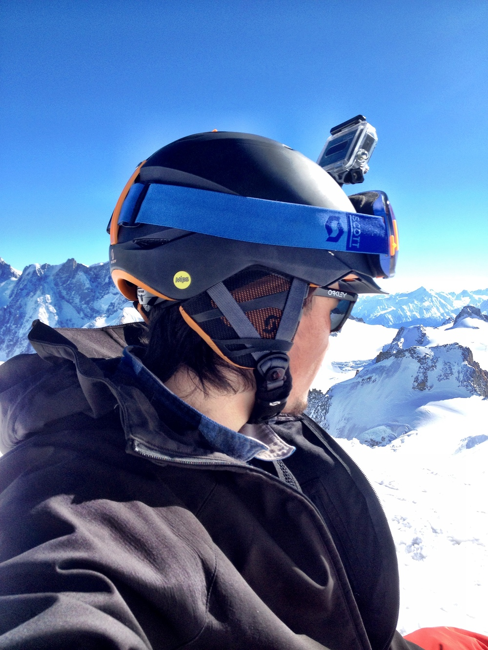 Victor from jacknife testing helmet side with camera